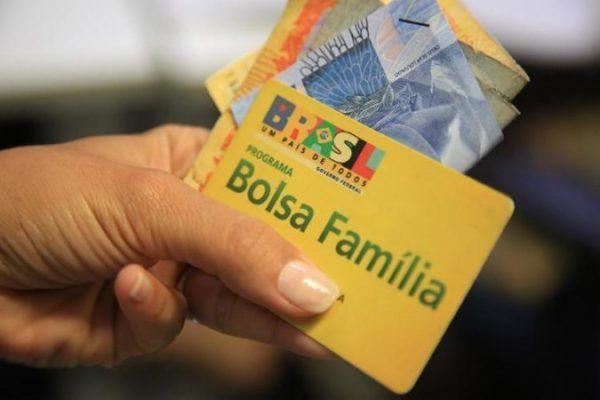 bolsa-familia-ate-3-salarios-minimos-e1540976192639 2019